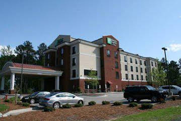 Holiday Inn Express and Suites Rockingham