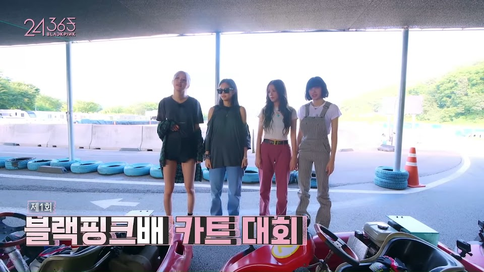 BLACKPINK - '24_365 with BLACKPINK' EP.7 0-42 screenshot