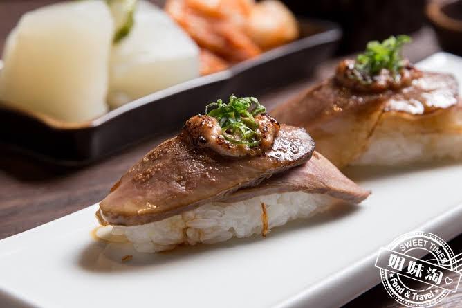 墨吉日本料理司櫻桃鴨鵝肝握壽司