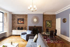 madison avenue apartment living area
