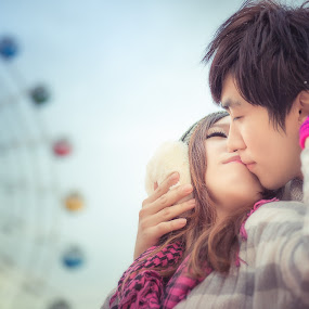 The Love Of Winter by Adzen Jazz - People Couples ( love, sweet, lovers, sweetheart, malaysia, photography )
