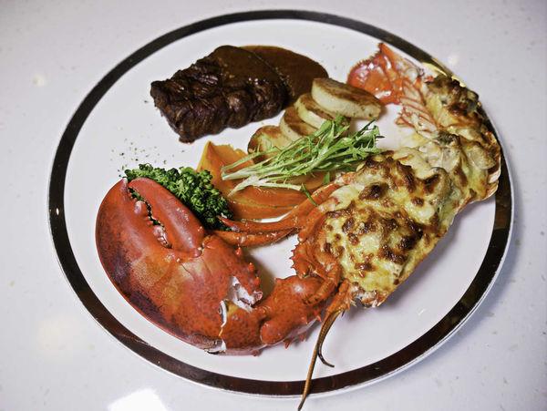 朵頤 排餐館 Doricious,統一時代百貨樓上,犒賞自己或款待家人的好選擇