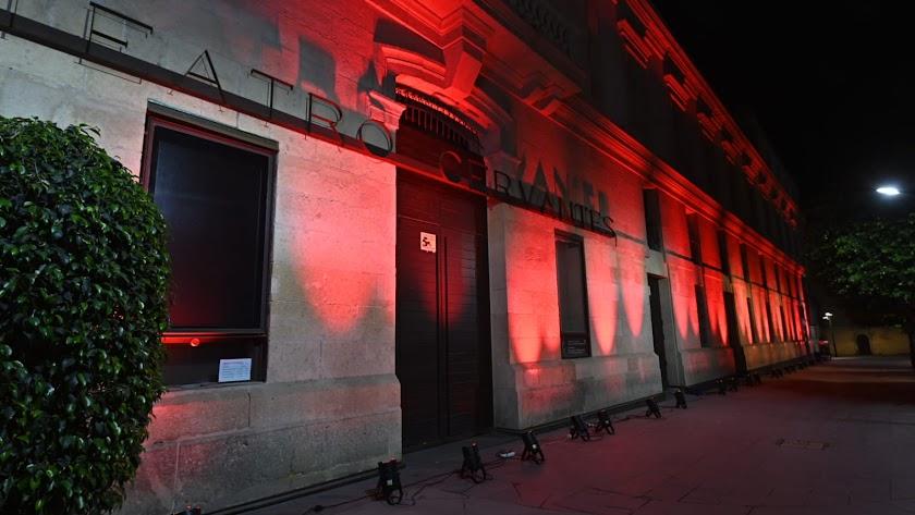 Luces rojas en el Cervantes en septiembre en la iniciativa Alerta Roja.