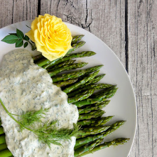 Asparagus with Yogurt Dill Mustard Sauce