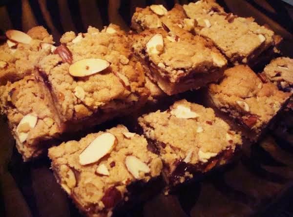 Cinnamon Almond Plum Bars Recipe
