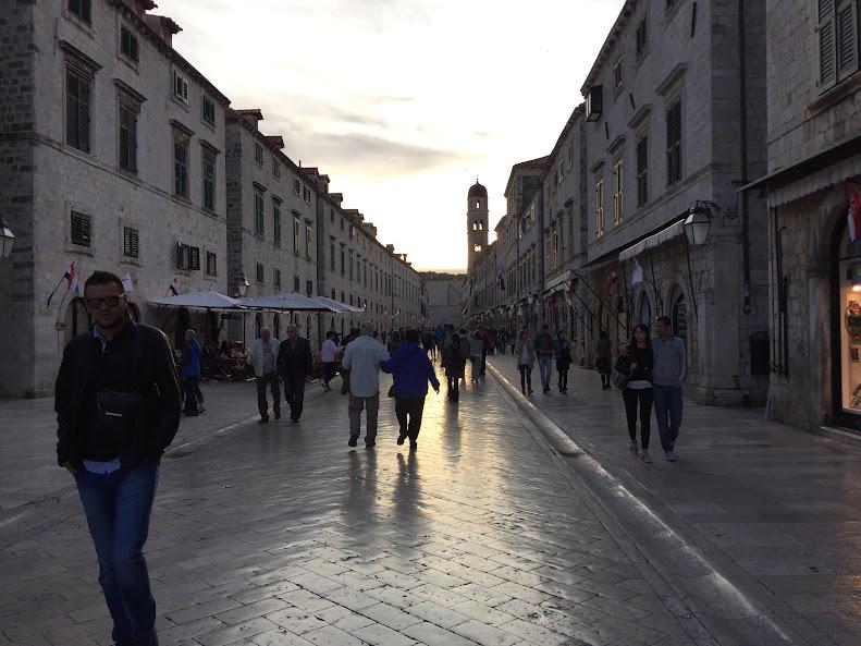 ドゥブロヴニク旧市街 夕暮れ
