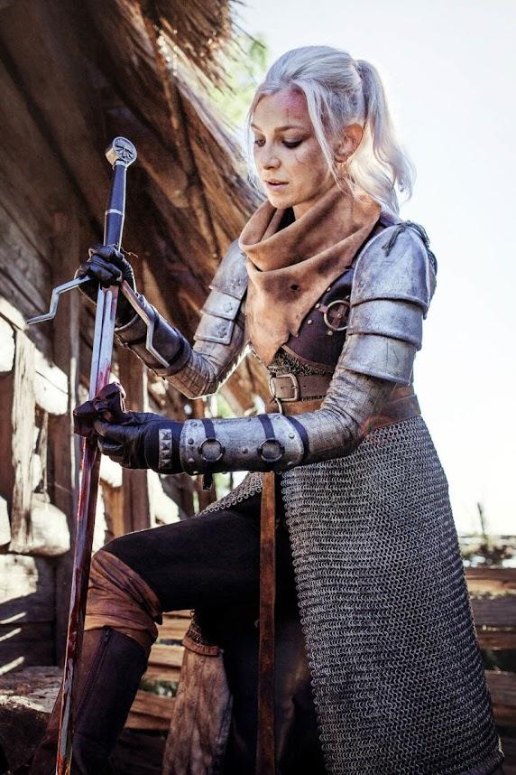 Fem Geralt cosplay