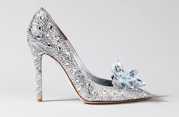 Hướng dẫn cách chọn giày cưới cô dâu giúp êm ái tự nhiên, thoải mái