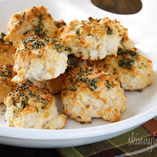 Easy Rosemary Garlic Parmesan Biscuits.
