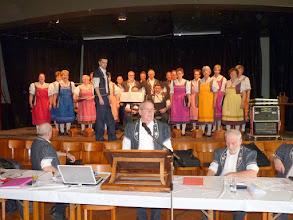 """Photo: Ouverture de l'assemblée avec la prestation du Choeur """"Intrè No"""""""
