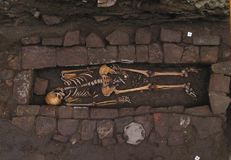 Medieval tomb opened to discover mother delivered baby post-mortem