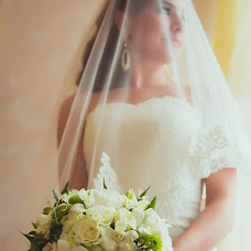 Wedding photographer Anna Sakazova (savanna38). Photo of 10.05.2014