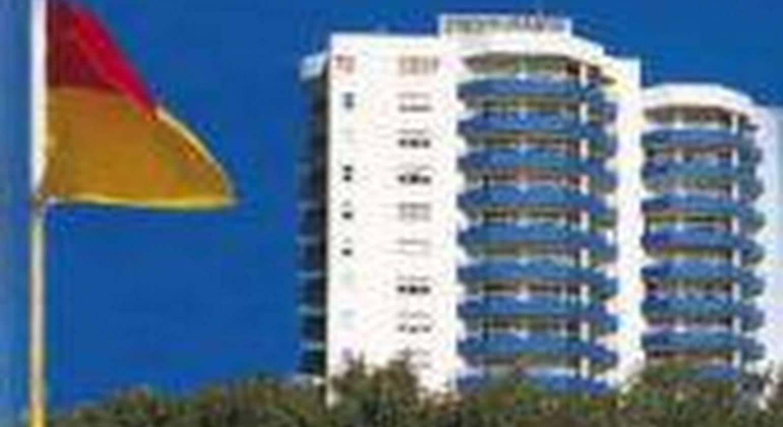 Grosvenor Beachfront Apartments