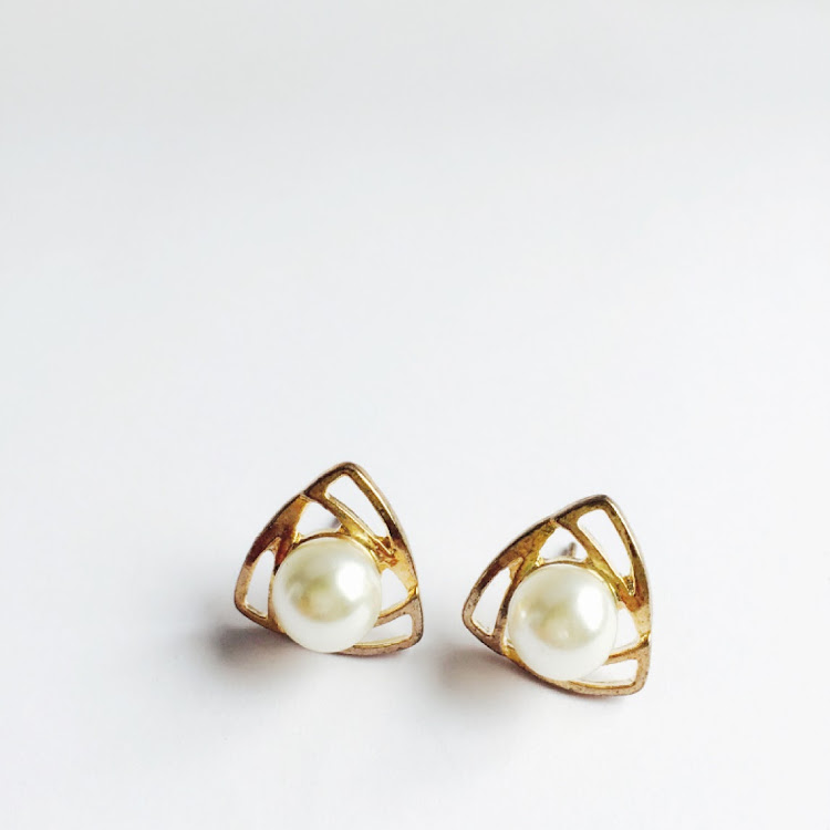 E014 - G. Curvy-Tri Faux Pearl Earrings by House of LaBelleD.