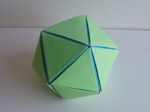 Photo: Les triangles - le polygone