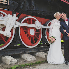 Wedding photographer Yaroslav Skuratov (Skuratov). Photo of 20.10.2014