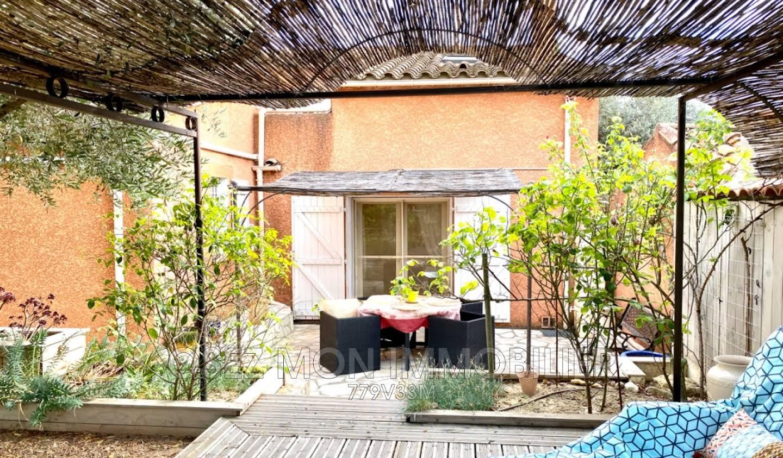 Villa with terrace Vinassan