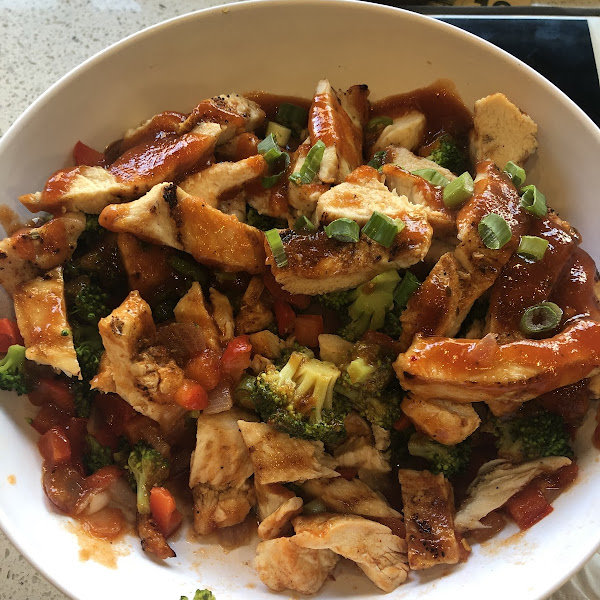 BBQ chicken bowl, no rice sub extra veggie! This was so much food