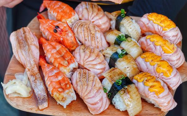 炙燒鮭魚每貫只要20元!! 比目魚30元扯便宜鮭魚控快吃爆! 剛開店就排隊/晚來就吃不到– 正興x吃吧 國華街美食 中西區美食