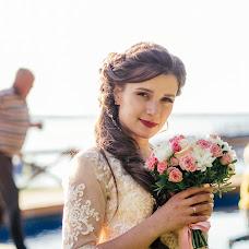 Wedding photographer Roman Gorelov (hellsmile). Photo of 07.10.2017