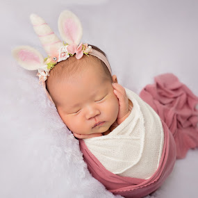 Baby Unicorn  by Vcy Ho - Babies & Children Babies ( newborn photography )