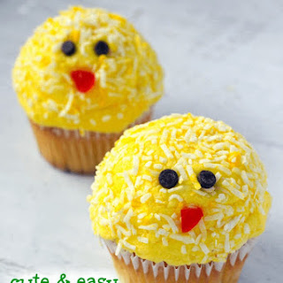 Easter Chick Cupcakes (Cute & Easy!).