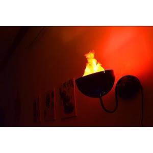 Lampa decorativa perete cu flacara falsa