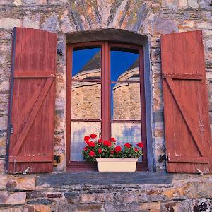 fereastra derval reflectii biserica 1.JPG