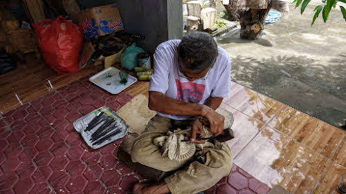 Crafts of Indonesia . Set of tools to carve the design.