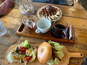 Alpha Coffee & Tea