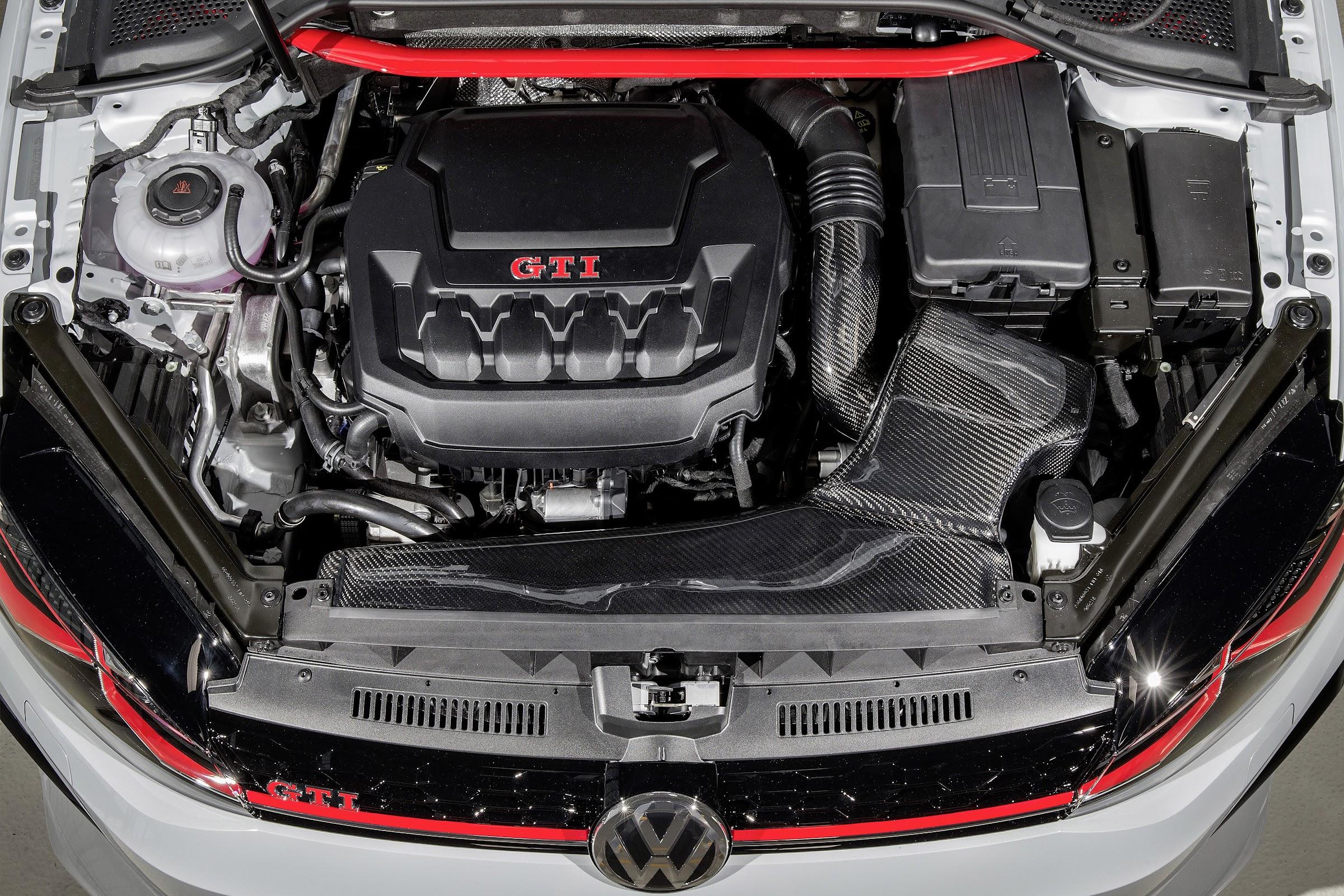 HTXtiRAuoUAbn1T6wjuiHZpqavkswHNUVwIRsBy1KLU2OfPAEf6Ox83yJNOWGeE15K5KlUJK54bflTJgl1ZwXSymCZzuG8nR5XyGjlvMV0t22hb485Ed3m4JG2QVk3YPXu4y6Z14Og=w2400 - Los aprendices de Volkswagen preparan dos Golf GTI para cita del Lago Wörthersee