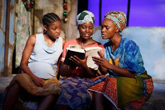 Photo: Eclipsed. Pascale Armand, Lupita Nyong'o y Saycon Sengbloh