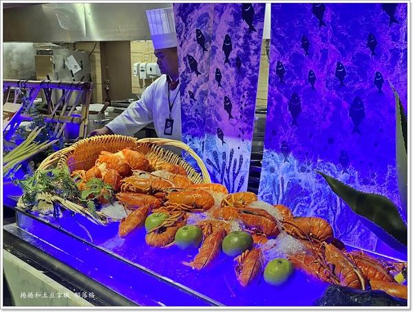阿力海自助百匯餐廳AliHi Buffet。龍蝦吃到飽
