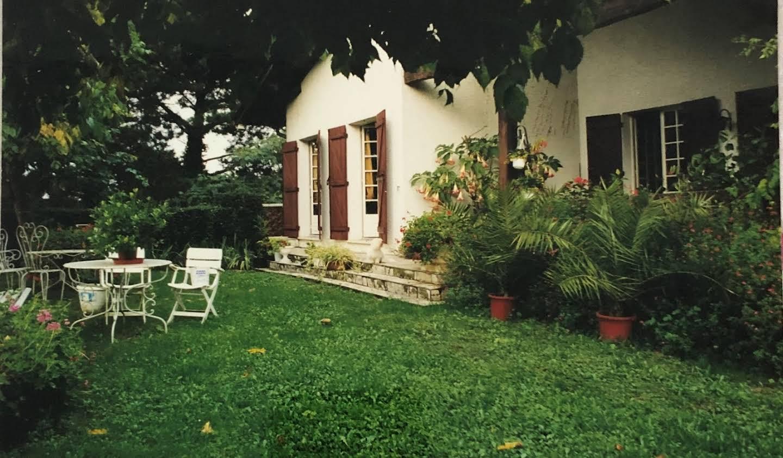 Maison avec terrasse Vayres