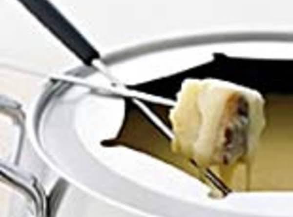Spicy White Cheese Fondue