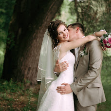 Wedding photographer Dasha Myuller (dashakiseleva91). Photo of 07.10.2014