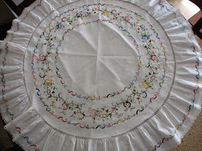 Photo: Mantel de cuatro cubiertos