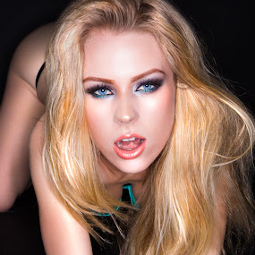 Blonde in Aw by Brian Brown - People Portraits of Women