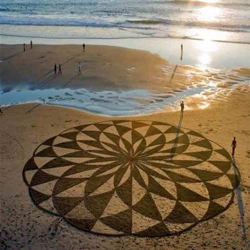 اجمل رسومات على الرمال