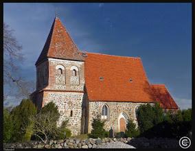 Photo: Die Dorfkirche in Thulendorf wurde im 13. Jahrhundert errichtet. Die Orgel des Rostocker Baumeisters ist demoliert. Atlas der Dorfkirchen in Norddeutschland: http://goo.gl/8Ucf53