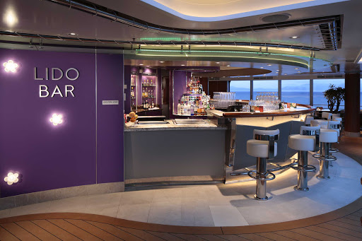 koningsdam-Lido-Bar.jpg - Relax and chat up some new friends at Lido Bar on ms Koningsdam.