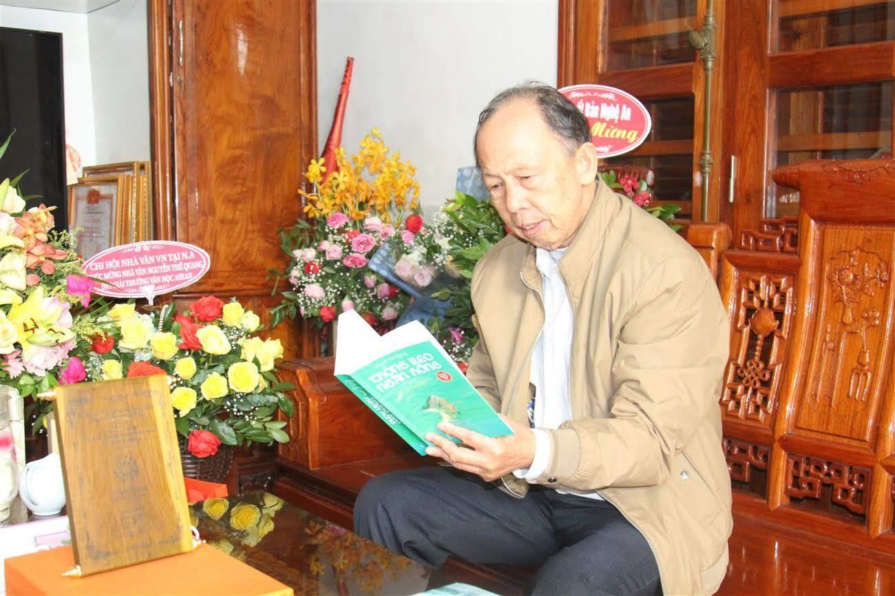 Nhà văn, nhà giáo Nguyễn Thế Quang
