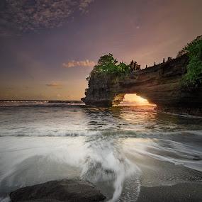Pura Batu Bolong by Agung Hendramawan - Landscapes Beaches ( #sunset, #bali )