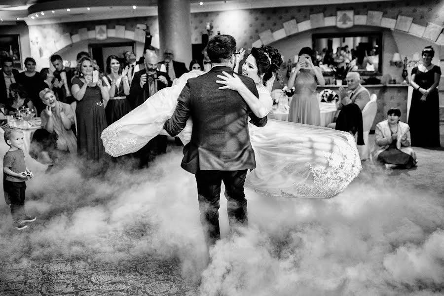 Nhiếp ảnh gia ảnh cưới Vali Matei (matei). Ảnh của 23.12.2020