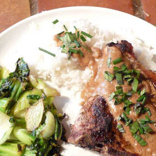 Grilled Pork Chops with Spicy Satay Sauce