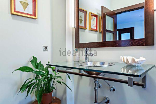 Detalles del baño. Foto de Idealista.