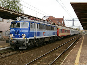 """Photo: EU07-228, TLK """"Sielawa"""" Wrocław Główny - Olsztyn Główny {Toruń Wschodni; 2013-05-02}"""