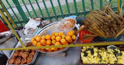 Photo: Street Food left to right Prawn/crayfish Wadi/Patties, Corn, Peanuts Palm Shoots and ?? Colombo