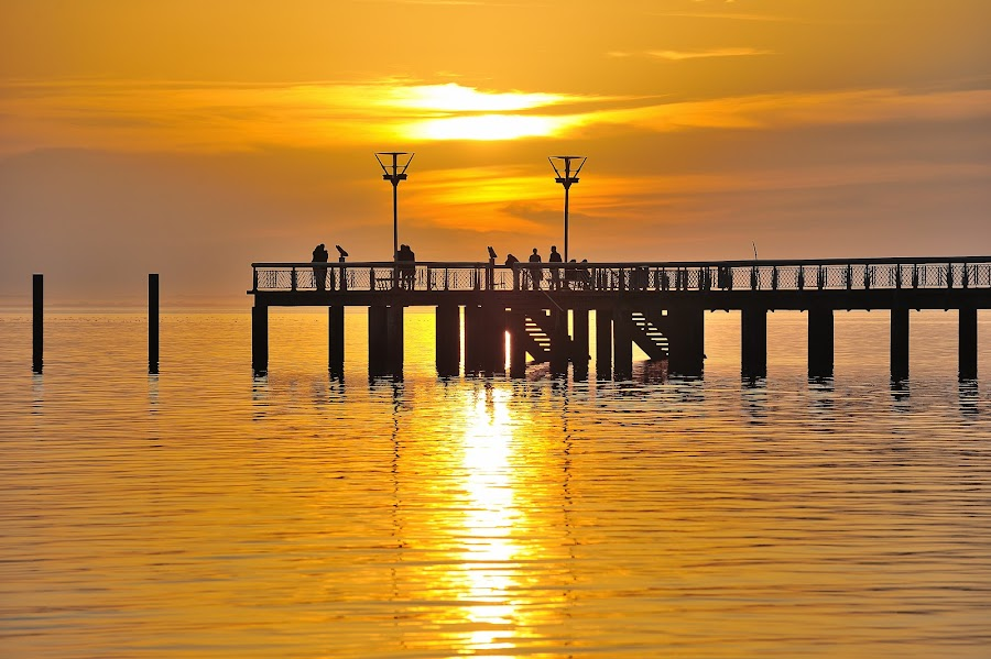 jetée d'andernos by Marc Renaudin - Landscapes Sunsets & Sunrises ( plage, paysage, océan, soleil, andernos )