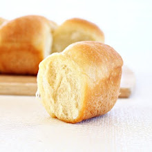 Photo: http://www.roxanashomebaking.com/butter-dinner-rolls-recipe/